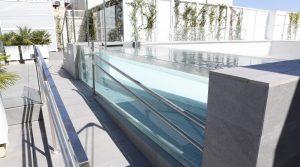 Apartamento con piscina exterior