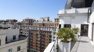 Apartamento con piscina exterior y terraza panorámica